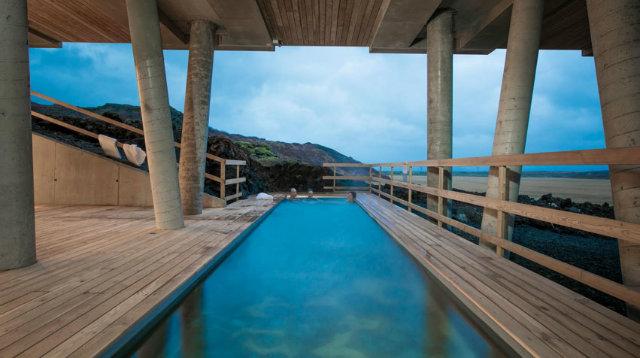 piscina-hotel-de-montaña-europa-islandia